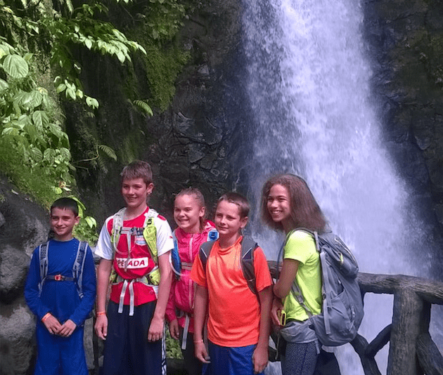 costa-rica-dual-immersion-5th-graders-waterfall