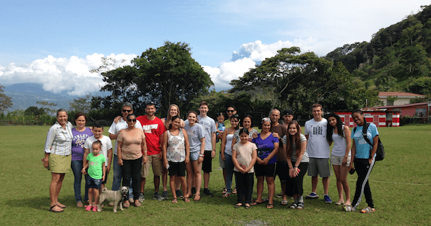 costa-rica-environmental-leadership-student-itinerary-group-photo