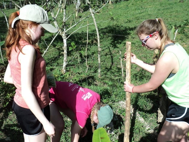 costa-rica-service-learning-trip-work