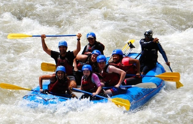 costa-rica-spanish-immersion-high-school-student-rafting