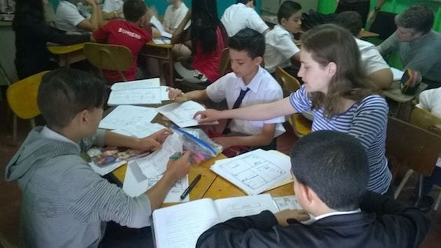 costa-rica-spanish-immersion-student-class-teaching