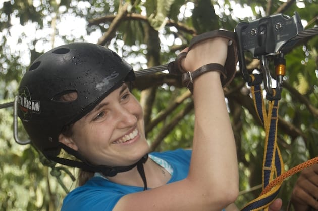 costa-rica-student-cultural-immersion-ziplining
