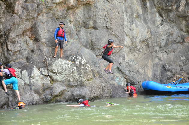 costa-rica-student-science-travel-program-swiftwater-rescue