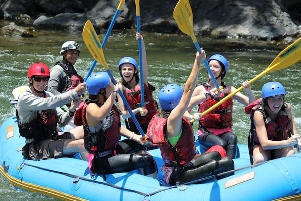costa-rica-student-travel-programs-rafting