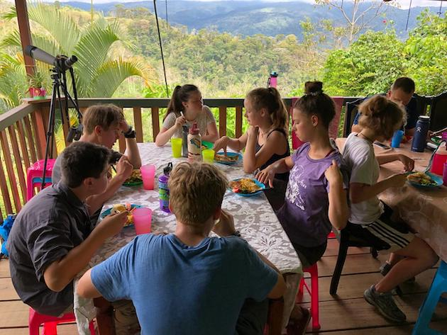 costa-rica-student-trip-outdoors