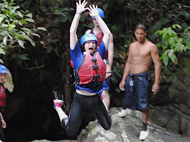 costa-rica-student-trip-rafting